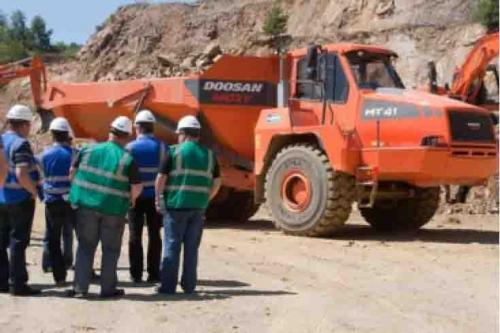 """""""Jornadas de Trabajo Industrial DOOSAN MOXY"""" Republica Checa, Julio 2011"""